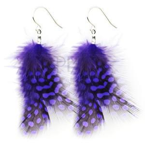 Náušnice - tečkovaná fialová pírka