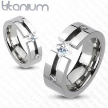 Titanový prsten - výřez, čtvercový a kulaté zirkony
