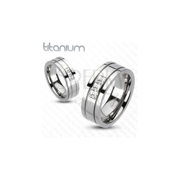 Titanový prsten - tři čtvercové zirkony
