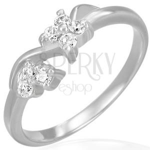 Zásnubní ocelový prsten - čiré zirkonové kvítky na vlnce