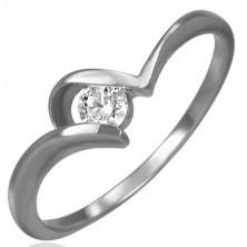 Ocelový zásnubní prsten - tenká zahnutá ramena, kulatý čirý zirkon