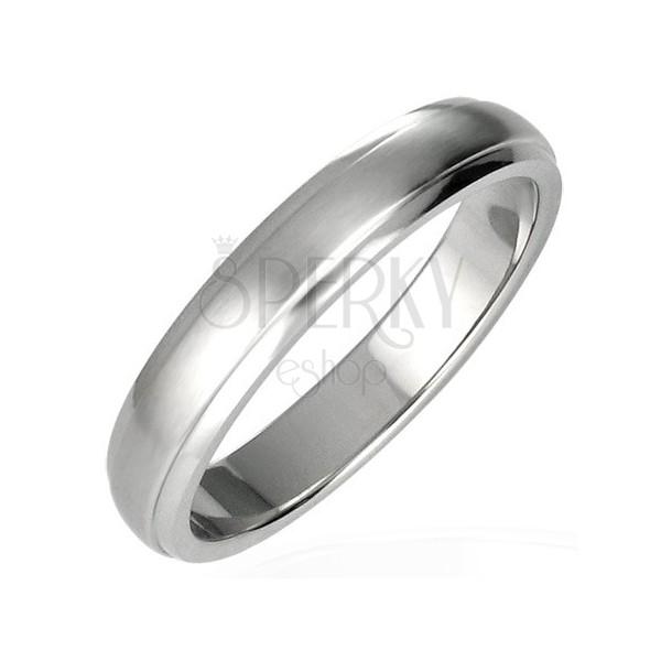 Prsten z chirurgické oceli - vystupující střed
