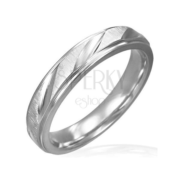 Dámský ocelový prsten matný s lesklými zářezy