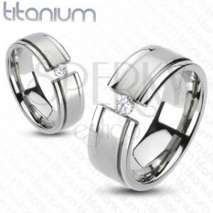 Prsten z titanu - rozseklý prsten, třpytivý zirkon