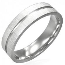 Ocelový prsten s lesklou rýhou uprostřed a matným okrajem
