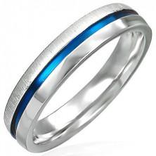 Ocelový prsten s modrým pásem - půlka lesklá, půlka matná