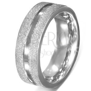 Prsten z chirurgické oceli - pískované okraje, hladká středová linie
