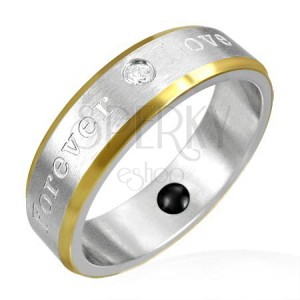 Magnetický prsten z oceli - zlaté okraje, romantické gravírování