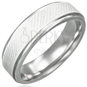 Prsten z chirurgické oceli - diagonální linie