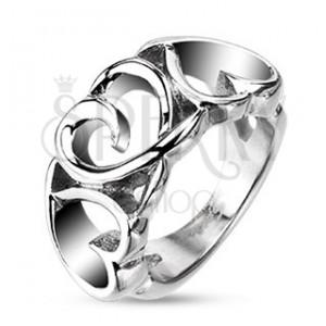 Ocelový prsten - tři vyříznutá srdíčka