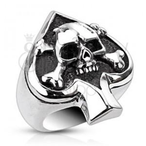 Prsten z oceli s karetním symbolem a lebkou