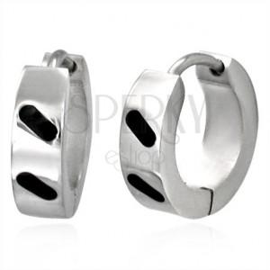 Ocelové náušničky - lesklé kroužky s diagonálními čárkami