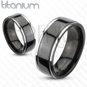 Titanový prsten s černým středem a stříbrnými okraji