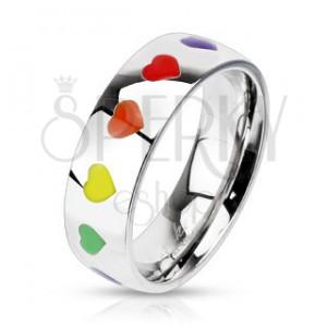 Lesklý prsten z oceli s duhovými srdíčky