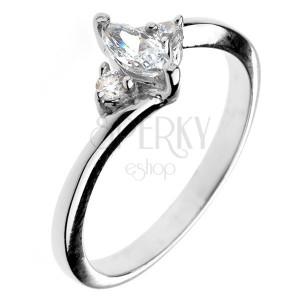 Zásnubní prsten ze stříbra 925 - zirkon ve tvaru zrnka a dva malé zirkony