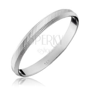 Stříbrný prsten 925 - svislé a diagonální vroubky