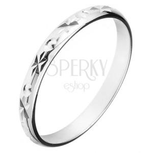 Prsten ze stříbra 925 - gravírované louče a malé kužely