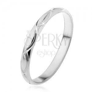 Stříbrný prsten 925 - gravírované obrysy zrníčka