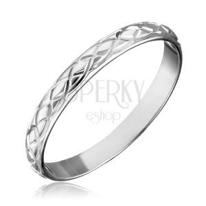 Stříbrný prsten 925 - propletané gravírované slzy
