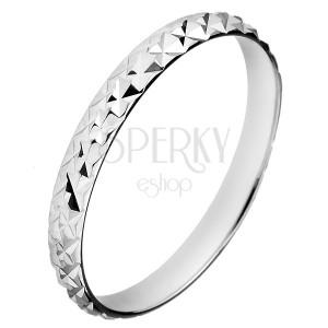 Stříbrný třpytivý prsten 925 - vystouplé kosočtverce