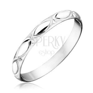 Stříbrný prsten 925 - obrysy zrnka a paprsky