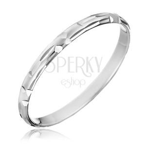 Stříbrný prsten 925 - zrnkové zářezy poskládané do tvaru L