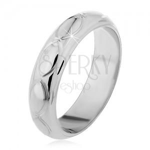 Prsten ze stříbra 925 - gravírovaná zrníčka, malé kužely