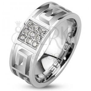 Prsten z oceli - výřezy řeckého symbolu a zirkonový čtverec