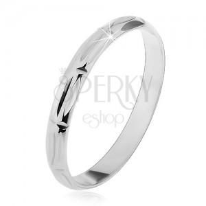 Prsten ze stříbra 925 - svislé a horizontální zářezy, lesklý povrch