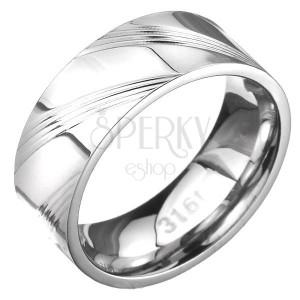 Prsten z oceli - obroučka se šikmými rýhami po obvodu