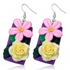 Fimo náušnice - žlutá růže a růžový kvítek na fialové tabulce