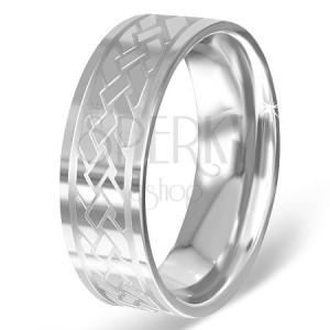 Stříbřitý prsten z chirurgické oceli s gravírovaným keltským uzlem