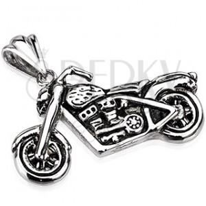Ocelový přívěsek - patinovaná motorka ve stříbrné barvě