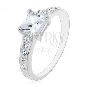 Stříbrný prsten 925 - čtvercový zirkon a zirkonky po stranách