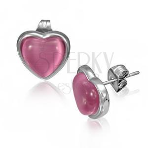 Ocelové náušnice s růžovým kamenem ve tvaru srdce v objímce